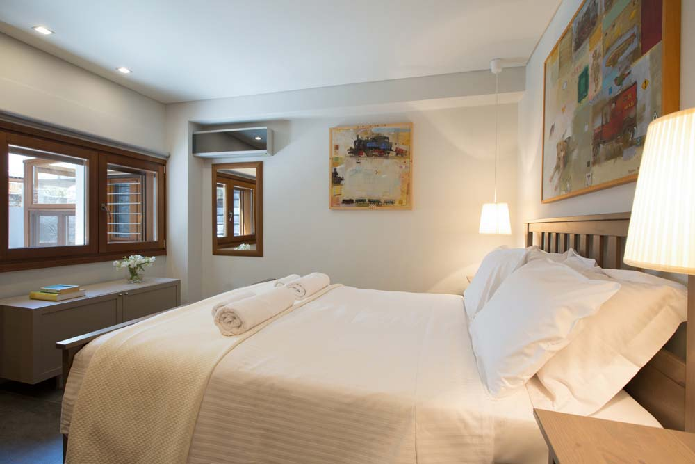 Double bedroom suite with private living room on ground floor