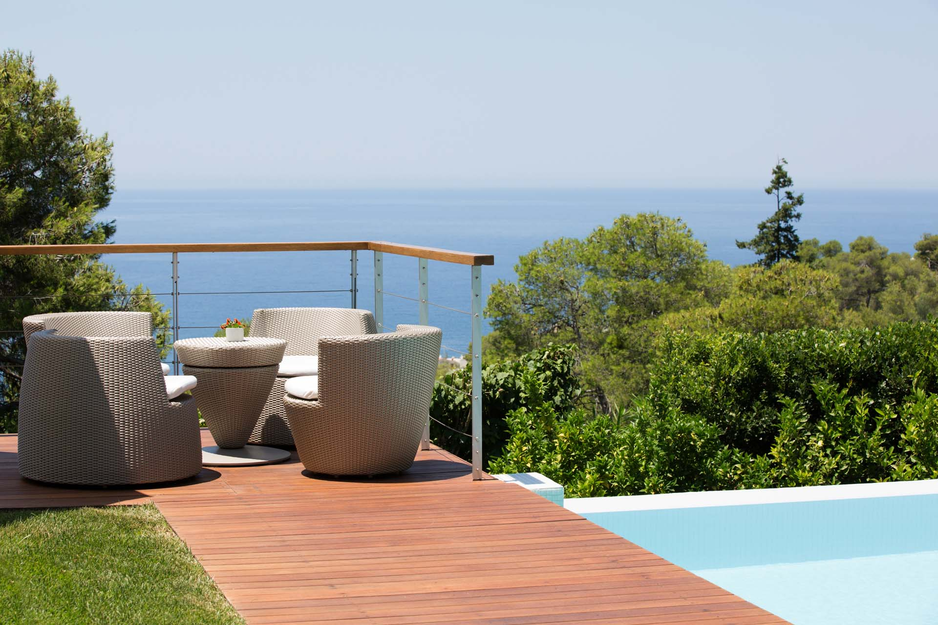 Sitting on the dock of the pool and admiring the sea view is simply second to none